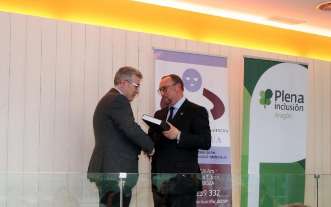 III Entrega anual de Pins Conmemorativos de la Fundación Luis de Azúa