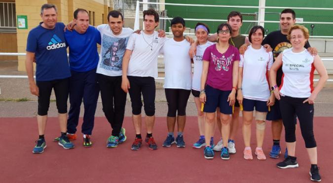 Atletas con discapacidad intelectual participan en la 10K de Zaragoza